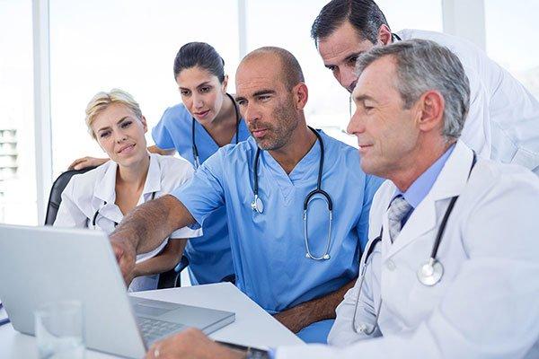 doctors-computer